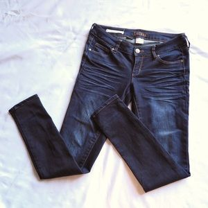 Decree | Dark Wash Legging Super Skinny Jean - 7